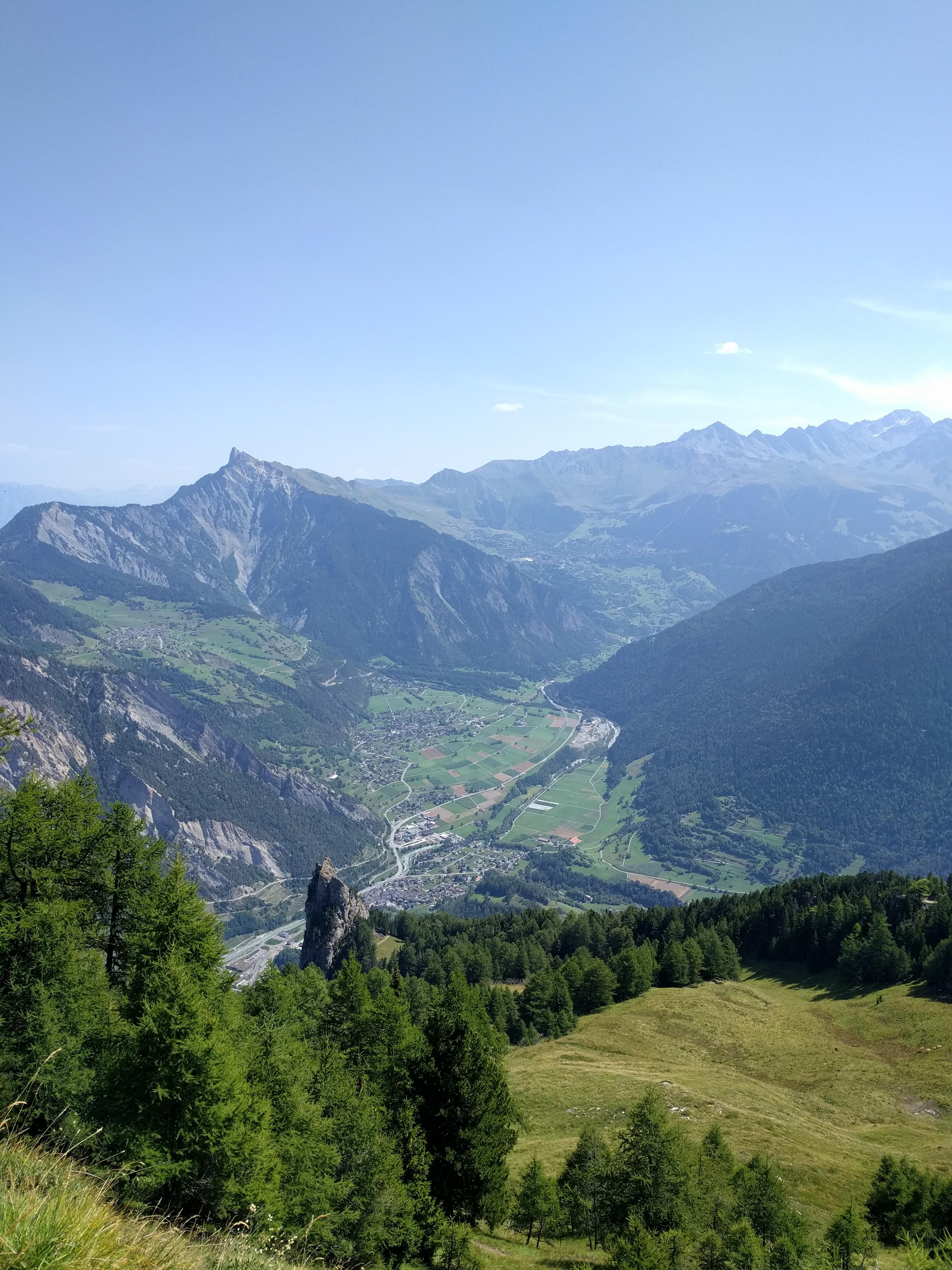 Vue sur l'alpage de Catogne, La Dent, Sembrancher, la Pierre-à-voir