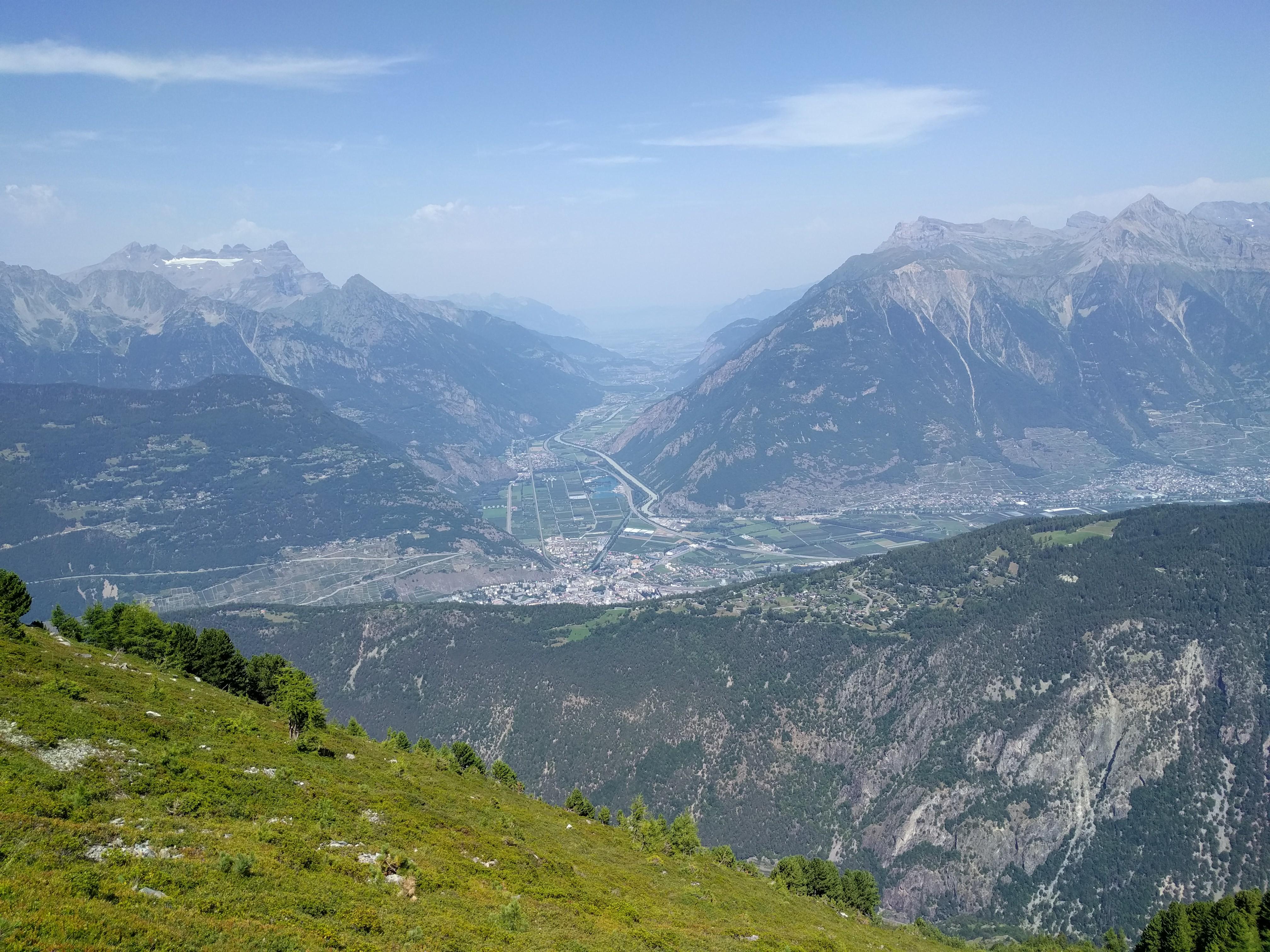 Chemin-dessus, Martigny, la vallée du Rhône en direction du Léman, les Dents du Midi